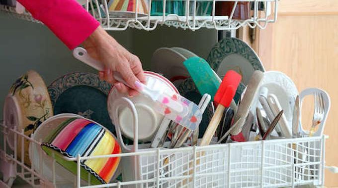 5 astuces pour mieux charger votre lave vaisselle et le for Comment entretenir le marbre astuces