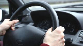 conduire calme pour économiser essence