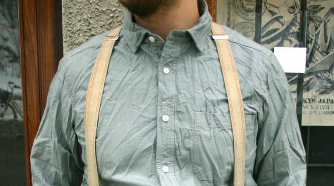 Comment Défroisser un Vêtement Avec un Sèche-Linge.