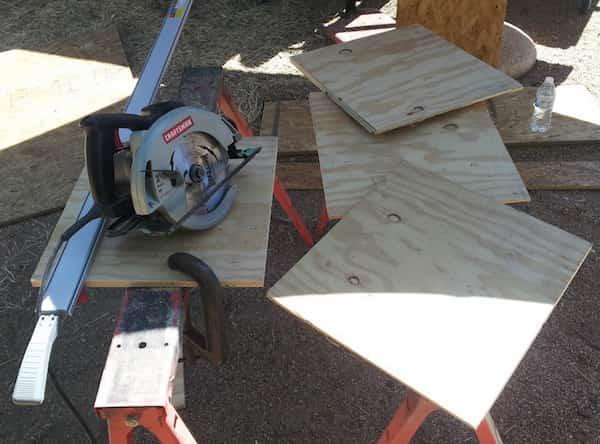 planche pour construire nichoir à poules