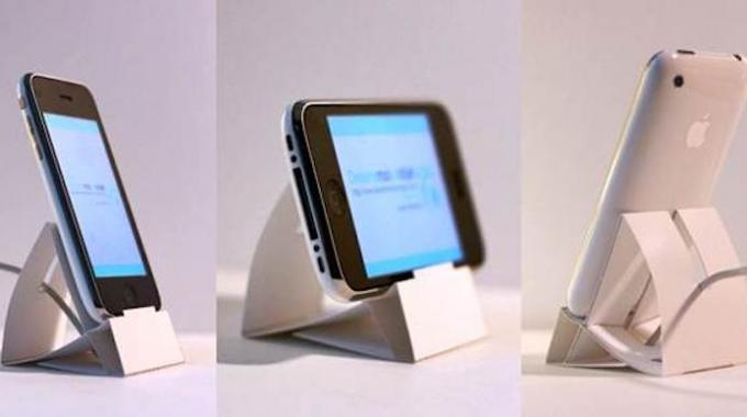 voici comment fabriquer facilement un dock iphone gratuit avec du papier. Black Bedroom Furniture Sets. Home Design Ideas