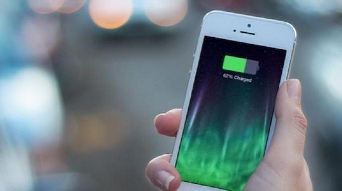 Batterie iPhone : Diminuer la Luminosité Pour Économiser de la Batterie.