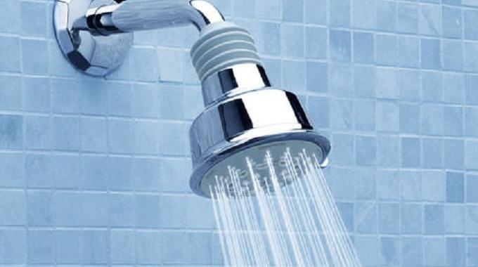 l 39 astuce toute simple pour conomiser l 39 eau de la douche