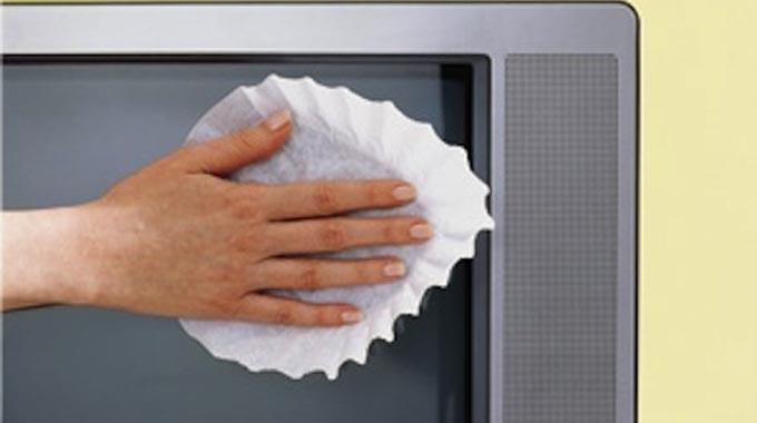 nettoyez l 39 cran de votre tv avec un filtre caf. Black Bedroom Furniture Sets. Home Design Ideas