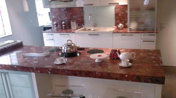 la terre de sommi res le truc magique pour enlever les taches de graisse sur le granit et le. Black Bedroom Furniture Sets. Home Design Ideas