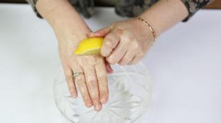 enlever mauvaises odeurs mains citron