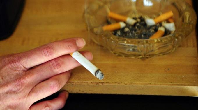 Le Truc Magique Pour Enlever l'Odeur de Cigarette dans une Pièce.