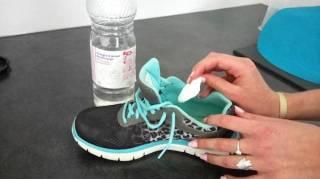 enlever odeurs chaussures vinaigre semelle