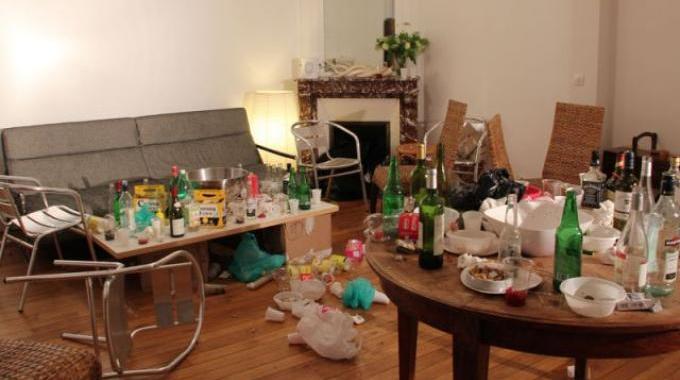 lendemain de f te vite un truc pour chasser les mauvaises odeurs. Black Bedroom Furniture Sets. Home Design Ideas