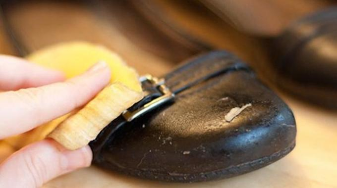 l 39 astuce efficace pour bien entretenir ses chaussures en cuir. Black Bedroom Furniture Sets. Home Design Ideas