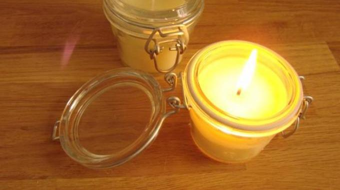 Comment faire des bougies la cire d abeille facilement - Comment fabriquer des bougies ...