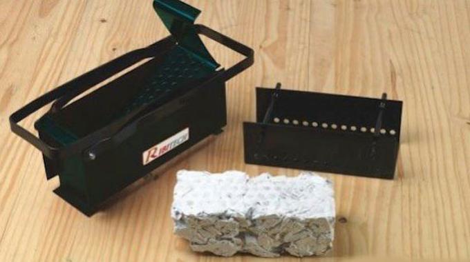le compacteur de b ches en papier pour se chauffer gratuitement. Black Bedroom Furniture Sets. Home Design Ideas
