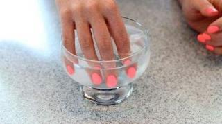 faire secher vernis ongles vite