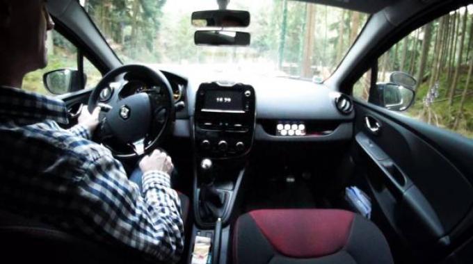 conduite conomique utiliser le frein moteur la place du point mort. Black Bedroom Furniture Sets. Home Design Ideas