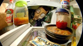frigo qui sent mauvais