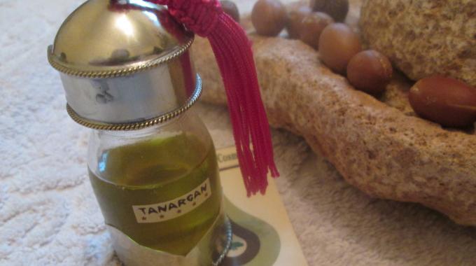 Comment utiliser l 39 huile d 39 argan sur le visage pour avoir for Astuces maison pour une belle peau