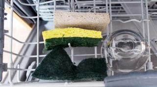 laver éponges lave-vaisselle