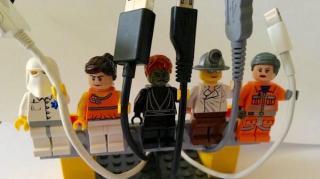 legos qui tiennent les cables