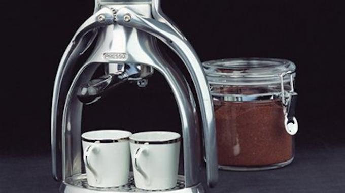 la machine caf pas ch re et sans dosette que vous allez adorer. Black Bedroom Furniture Sets. Home Design Ideas