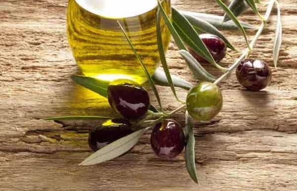 huile d'olive pour nourrir peau qui vieillit