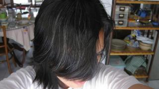 masquer-cheveux-blancs-naturellement