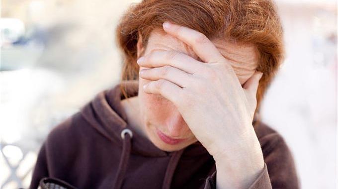 Le Remède Sans Aspirine Contre les Maux de Tête et les Migraines.