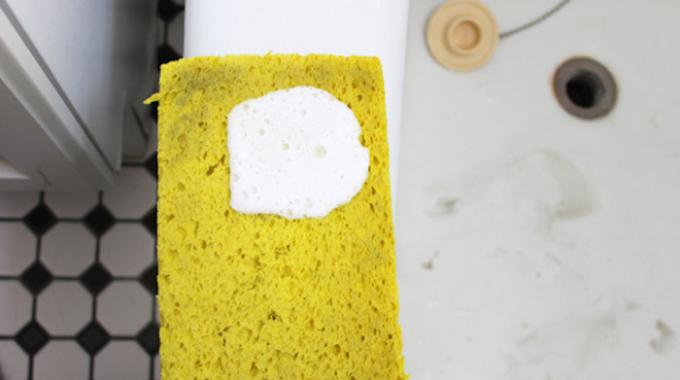 Enfin un nettoyant pour la salle de bain naturel et efficace - Desherbant naturel tres efficace ...