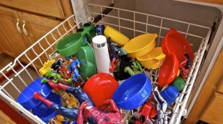 nettoyer et laver jouet enfants