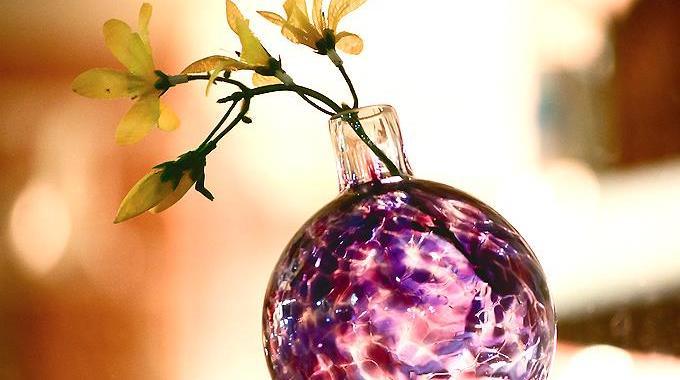 Impossible de Nettoyer l'Intérieur de Votre Vase ? Sortez le Bicarbonate.