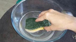 nettoyer vieille éponge avec percarbonate