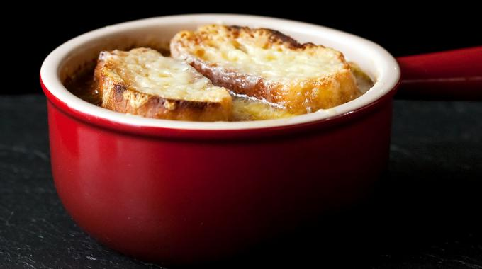 Conomique ma recette de la soupe l oignon moins de 0 50 par personne - Soupe a oignon maison ...