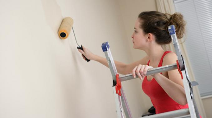 3 astuces indispensables pour peindre sans faire de taches. Black Bedroom Furniture Sets. Home Design Ideas