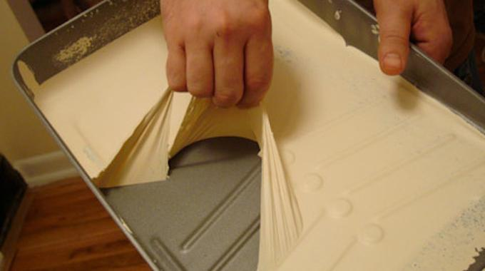voici comment nettoyer un bac peinture en 2 secondes chrono. Black Bedroom Furniture Sets. Home Design Ideas