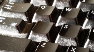 poussiere sur clavier ordi