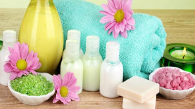 economisez sur 7 produits de beaut en les faisant vous m mes. Black Bedroom Furniture Sets. Home Design Ideas