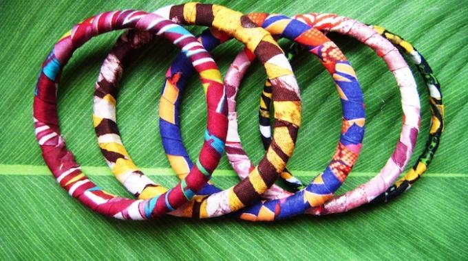 Certainement le Support le Plus Astucieux Pour Ranger Tous vos Bracelets.