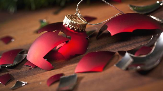 La Boîte la Plus Astucieuse Pour Ranger les Boules de Noël.