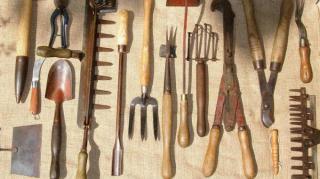 ranger outils jardinage