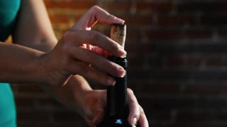reboucher bouteille vin entamée