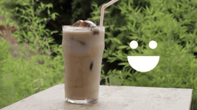 L'Été Est Là ! Voici Comment Faire un Café Glacé (vidéo).