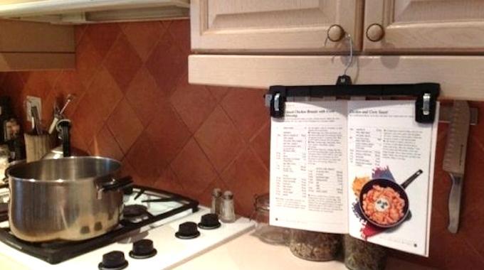 un truc malin pour suivre une recette de cuisine facilement. Black Bedroom Furniture Sets. Home Design Ideas