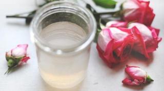recette-eau-rose-maison