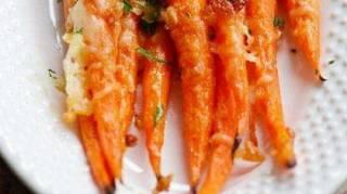 recette-facile-carottes-roties-parmesan-ail