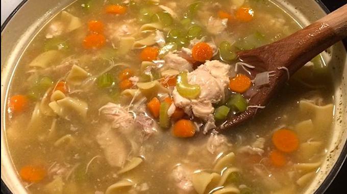 La Soupe de Grand-Mère au Poulet : Un Remède PUISSANT Contre le Rhume.