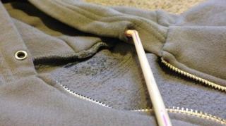remettre cordon capuche facilement