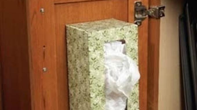 une astuce gratuite pour ranger tous vos sacs plastique. Black Bedroom Furniture Sets. Home Design Ideas