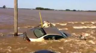 urgence voiture inondation