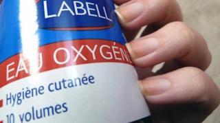 utilisations eau oxygénée à la maison