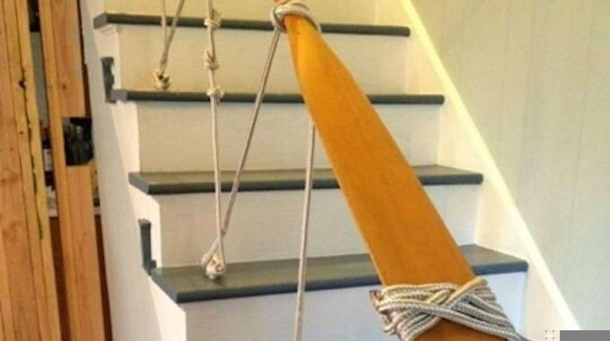 Main Courante Escalier Corde une rampe d'escalier diy originale avec une corde marine.