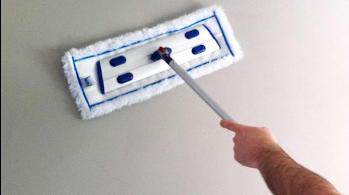 Lessiver Un Mur Avant Peinture comment nettoyer les murs de la maison facilement.